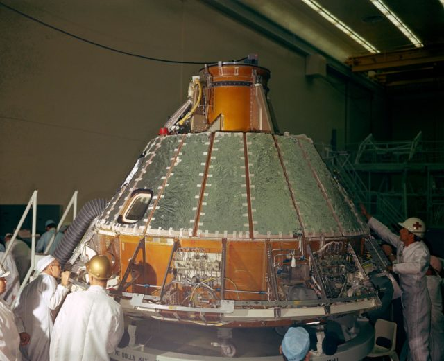 COMPRESSOR - UPRIGHTING SYSTEM - APOLLO MANUFACTURING - SPACECRAFT (S/C)-102 COMMAND MODULE (CM) - NORTH AMERICAN AVIATION (NAA), CA
