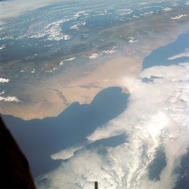 GEMINI-TITAN (GT)-9 - EARTH-SKY VIEW - PERU - OUTER SPACE