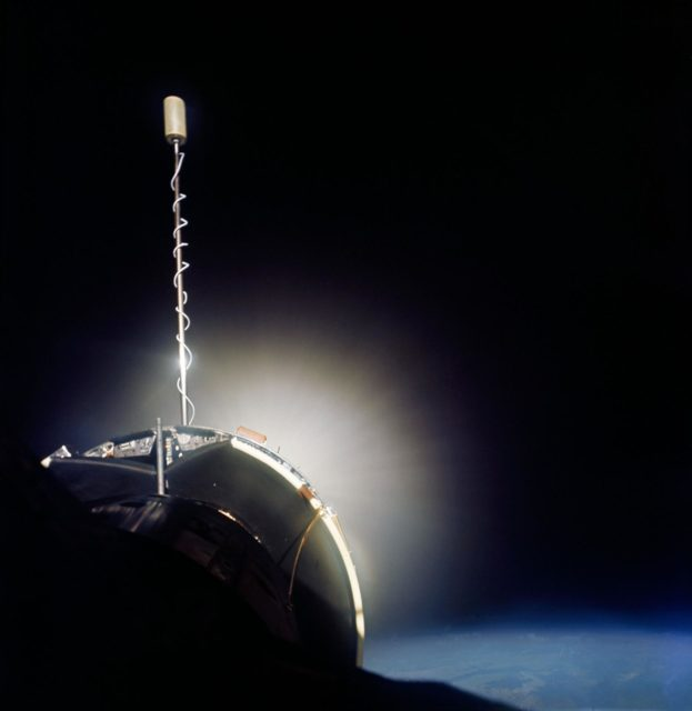 GEMINI-TITAN (GT)-10 - EARTH SKY - DOCKING - IN-SPACE