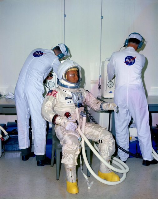 APOLLO - SUIT - APOLLO/SATURN 204 - CREW TEST - KSC