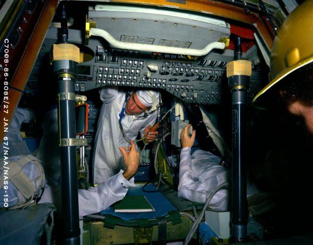 COMMAND MODULE - APOLLO - INTERIOR - SPACECRAFT (S/C) 101 - PANEL - CONTROL - NORTH AMERICAN AVIATION (NAA), CA