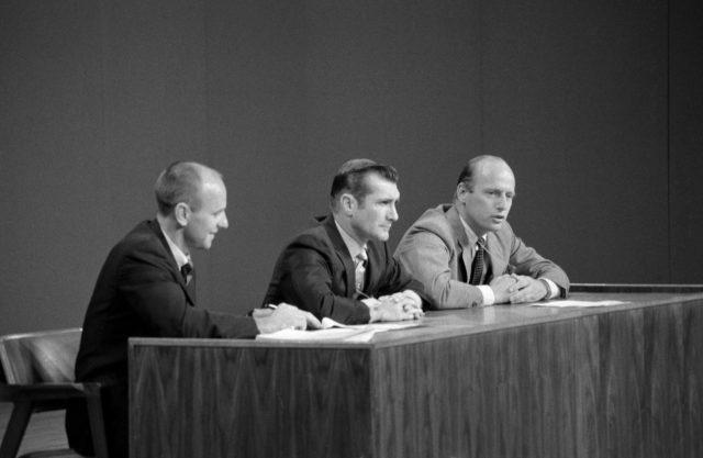 Apollo XII Crew - Preflight News Conference - MSC