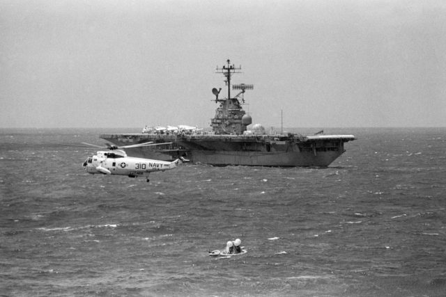 U.S.S. Hornet moves toward the Apollo 12 Command Module to retrieve it