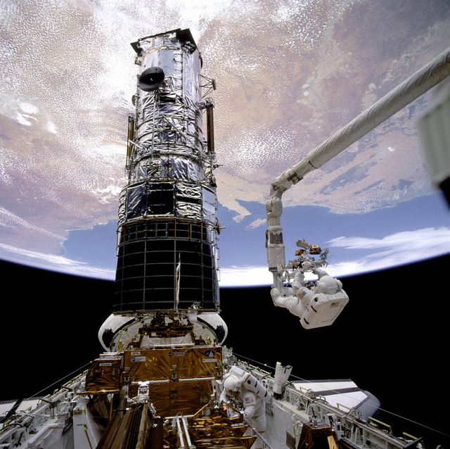 Hubble First Servicing EVA