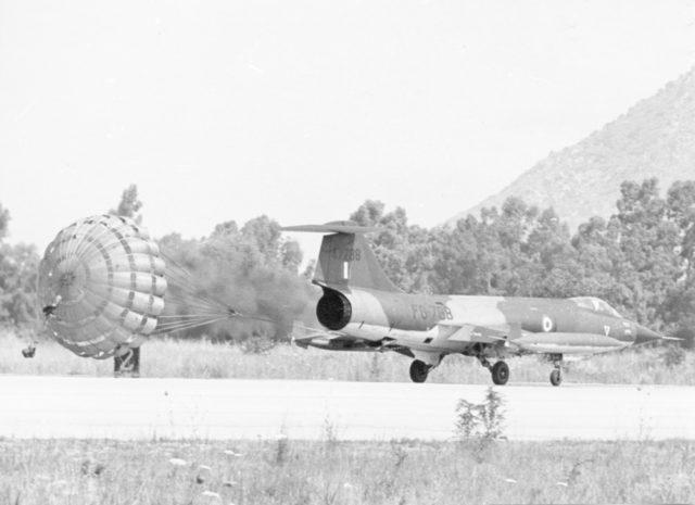 Lockheed F-104G cn 6133 64-7788 Helliniki Aeroporia  (Greek AF via RJF)