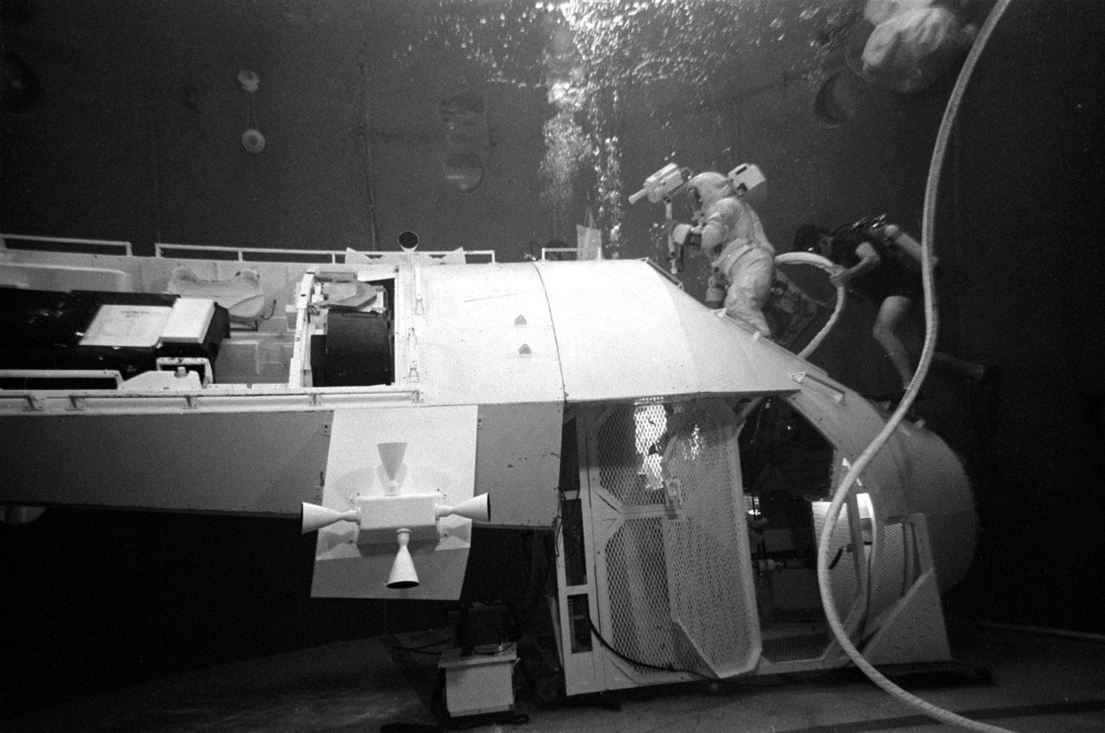 Astronaut Thomas Mattingly participates in EVA simulation