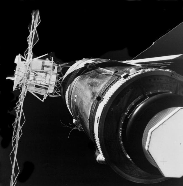 Skylab Station Viewed by Skylab 2 Command Module
