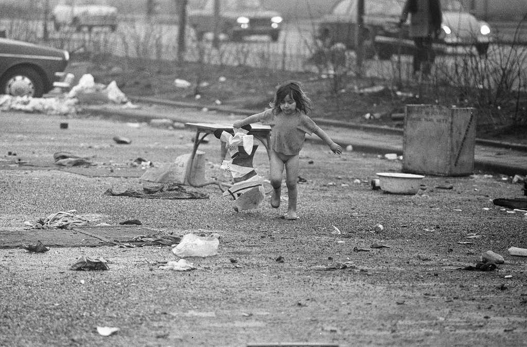 Zigeuners (Roma) moeten weg van de Boelelaan in Amsterdam