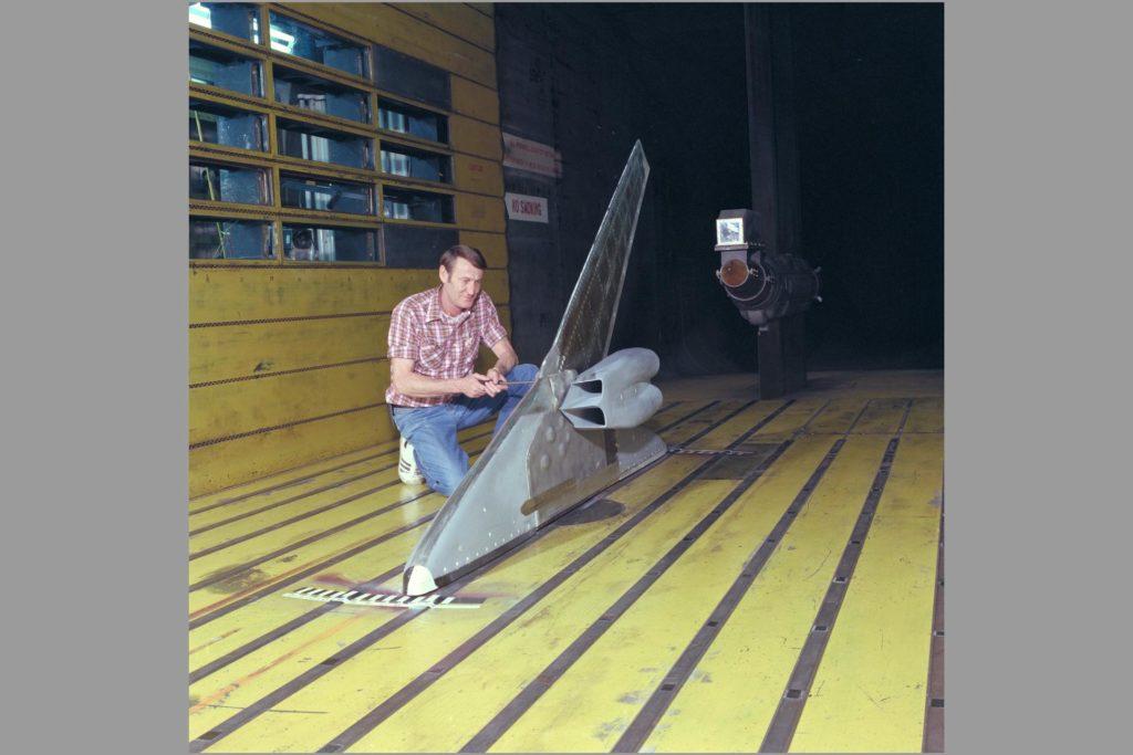 B-1B Shock Induced Ocillation 11x11ft w.t. test-537 ARC-1983-AC83-0667-4