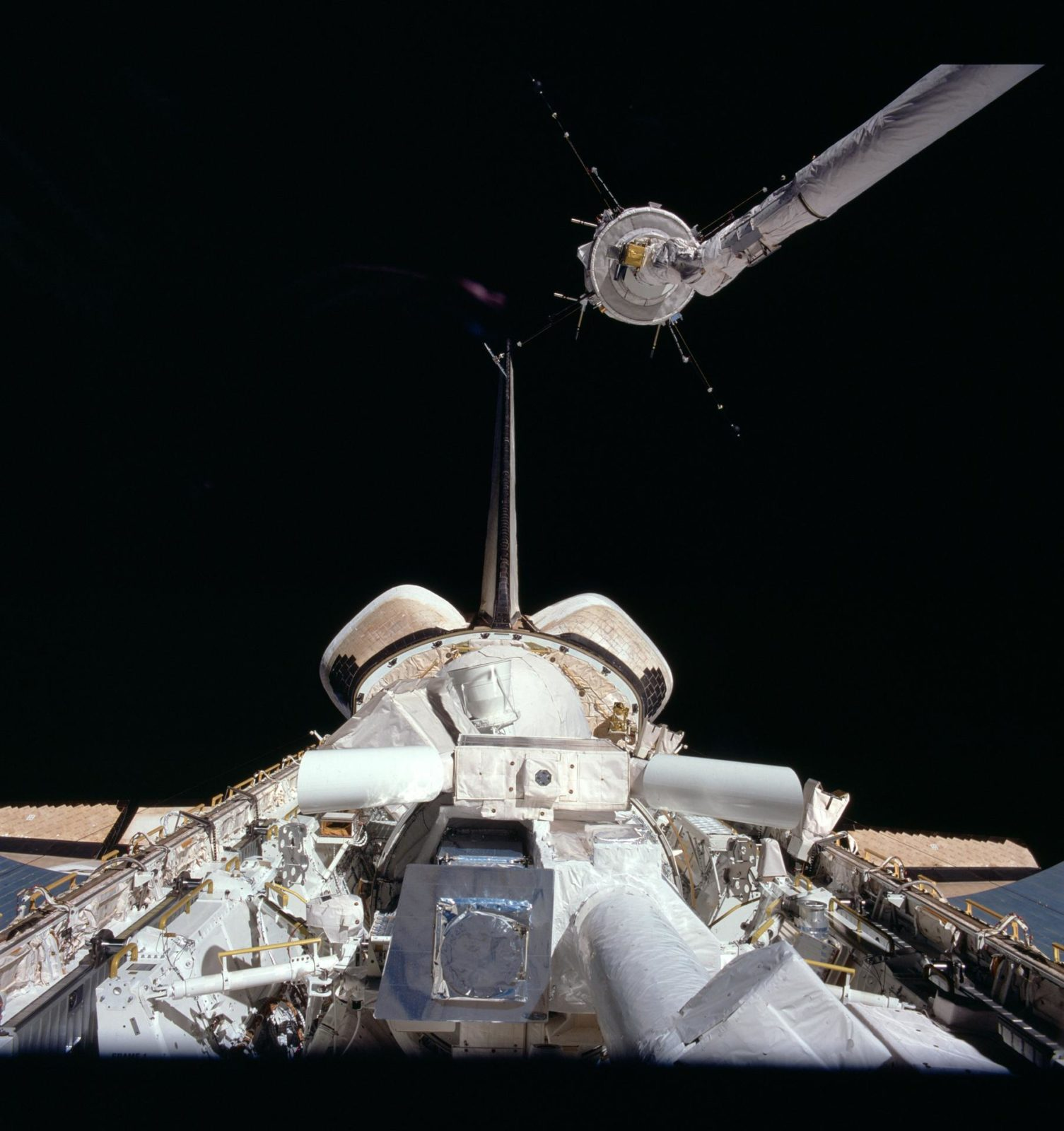 View of the Challenger's payload bay and the Plasma Diagnostic package