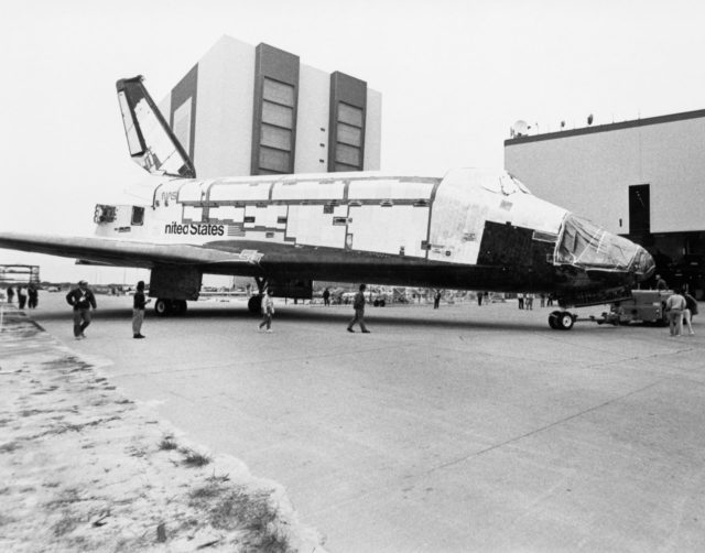 STS-28 Columbia, Orbiter Vehicle (OV) 102, roll over to KSC OPF