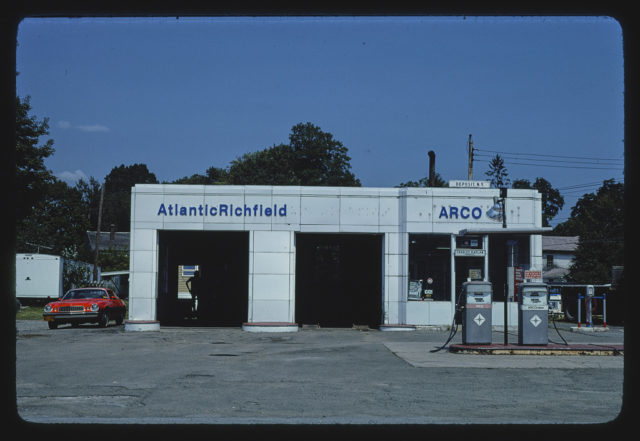 Arco gas station, closer view, Route 10, Deposit, New York (LOC)