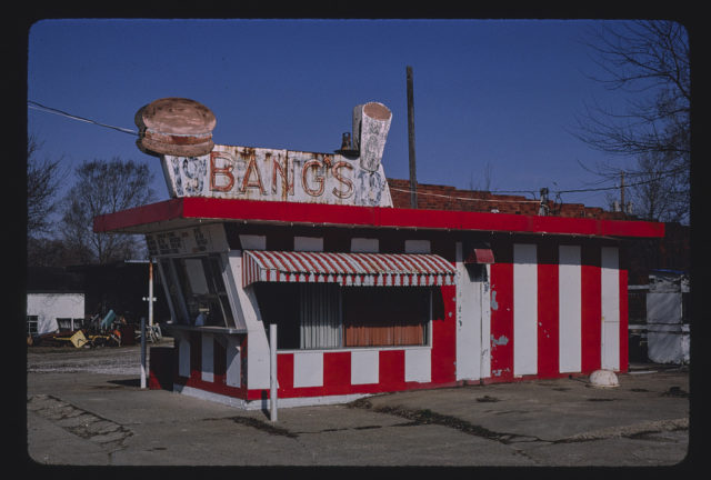 Bang's Drive-In, Route 34, Chariton, Iowa (LOC)