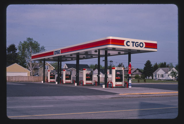 Citgo gas station, overall view, Route 2, Superior, Wisconsin (LOC)
