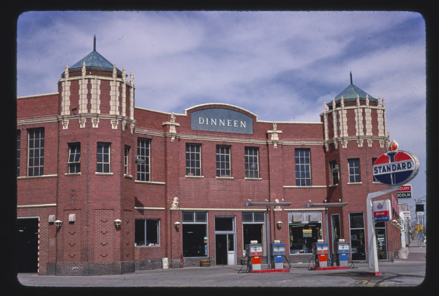 Dinneen Standard station, 16th Street, Cheyenne, Wyoming (LOC)