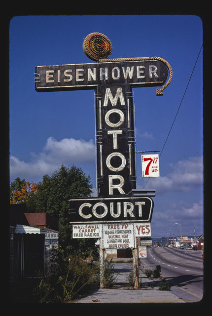Eisenhower Motor Court sign, Route 411, Newport, Tennessee (LOC)
