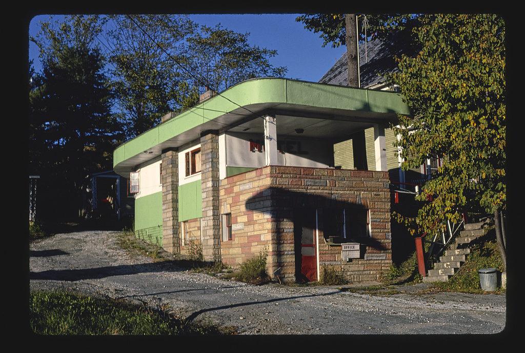 Le Mays Motel, Route 302, Barre, Vermont (LOC)