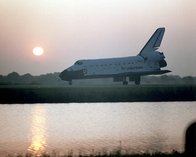 STS-45 Landing