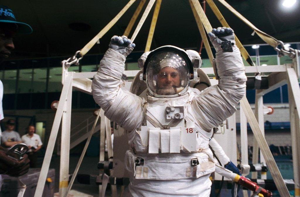 Astronaut David Wolf participates in training for contingency EVA in WETF