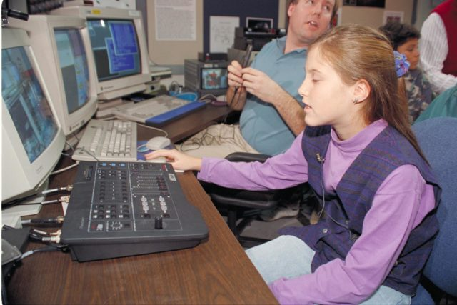 'Life from other Worlds' with McNair Middle School TROV robot explores under Antarctic ice - image during demo Ames reseacher Bob Hine leads students operating TROV ARC-1993-AC93-0608-16