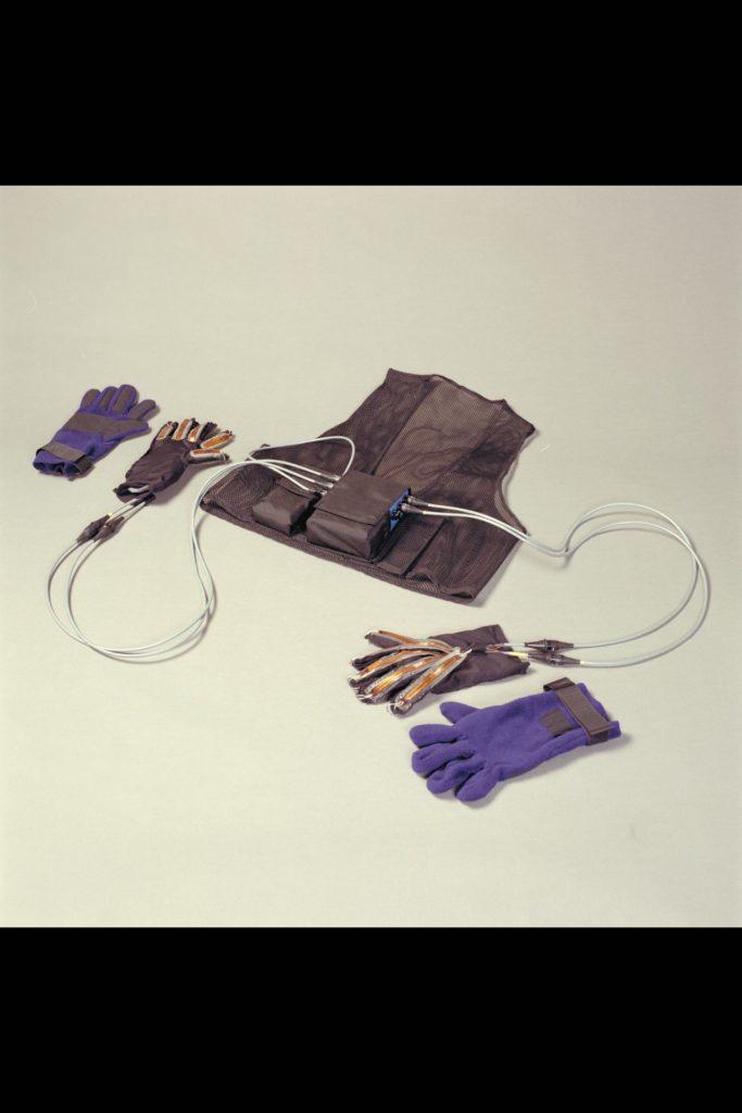 Ames Life Sciences Experiments: Polar gloves and vest ARC-1994-AC94-0261-9