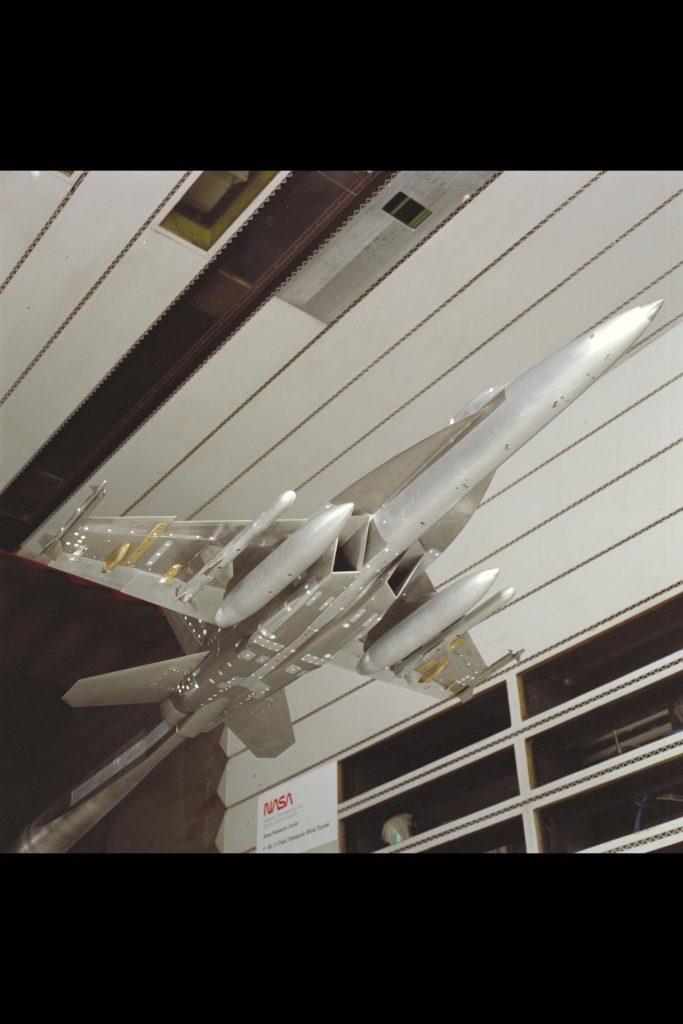 F/A-18 E/F Model: 11ft. W.T. Test #207-1-11 ARC-1994-AC94-0134-19