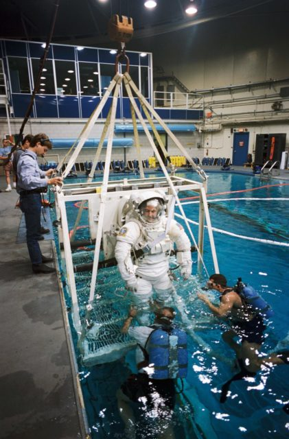 Astronauts Michael Anderson and Stephen Robinson during WETF training