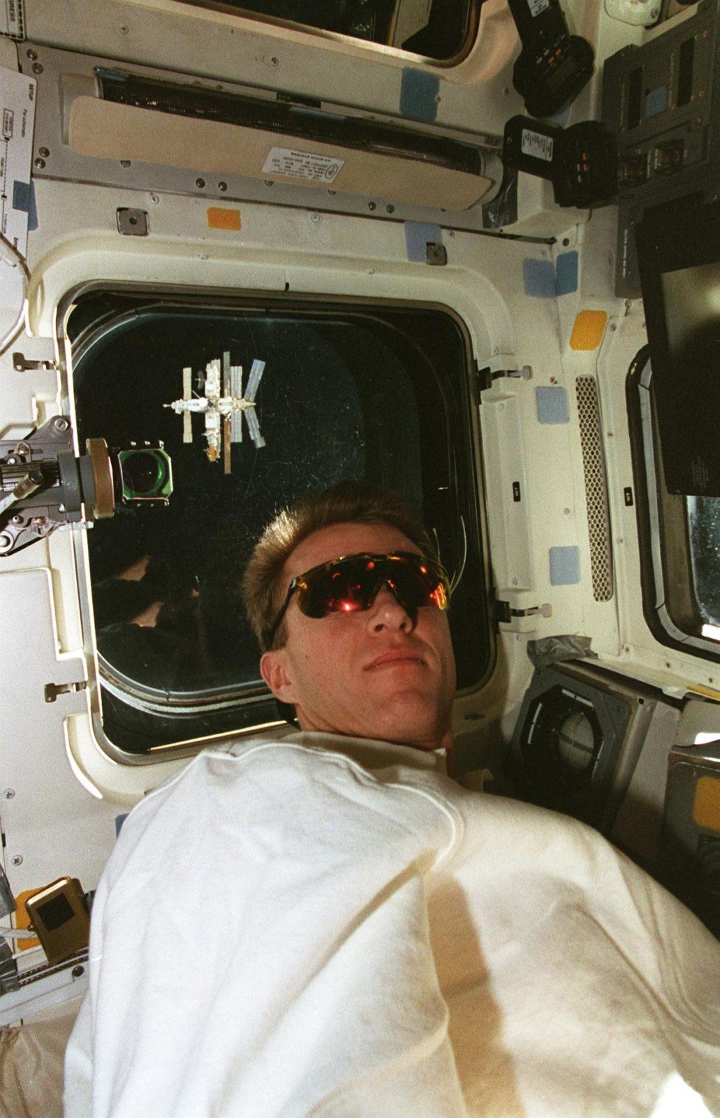 STS-81 pilot Jett on aft flight deck during approach to Mir