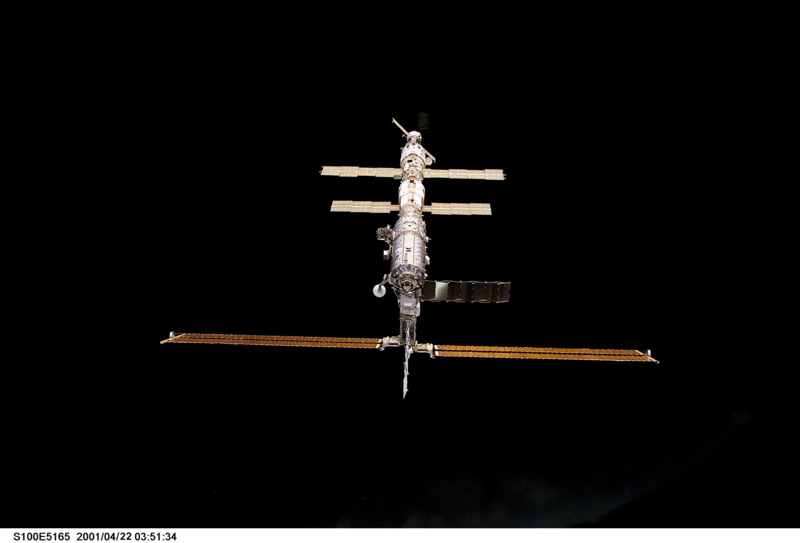 Nadir view of the ISS taken during the approach of Endeavour during STS-100