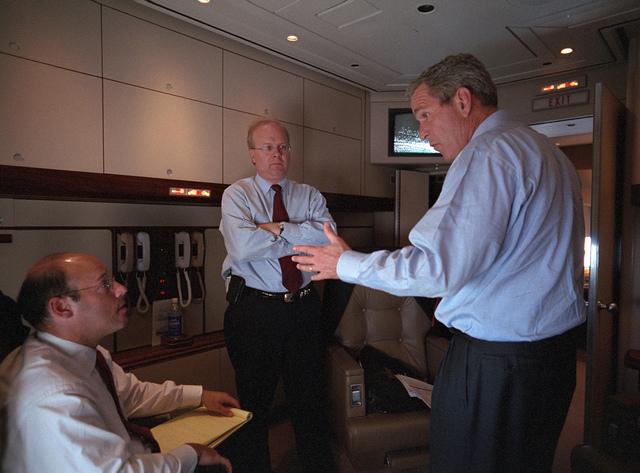 911: President George W. Bush aboard Air Force One, 09/11/2001.