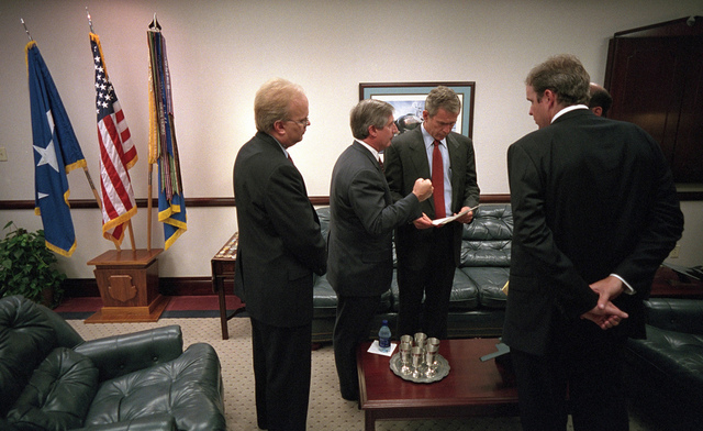 911: President George W. Bush Confers with Staff Members at Barksdale Air Force Base, 09/11/2001.