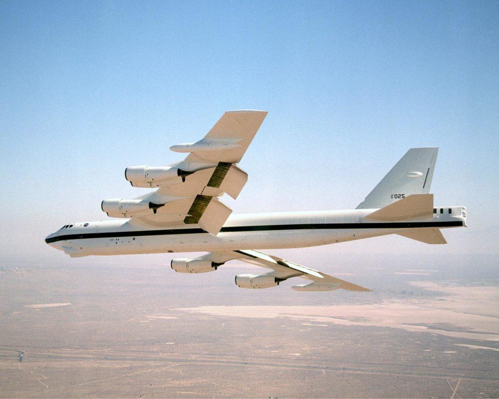 NASA Dryden's B-52H in flight EC02-0083-3