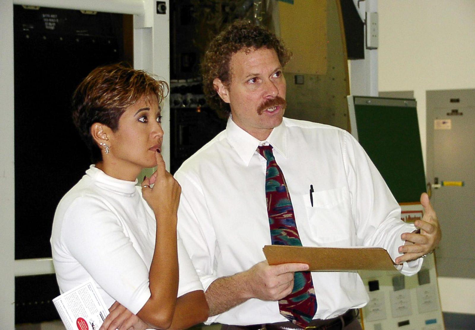KENNEDY SPACE CENTER, FLA. -- WESH-TV 2 News Anchor Wendy ...