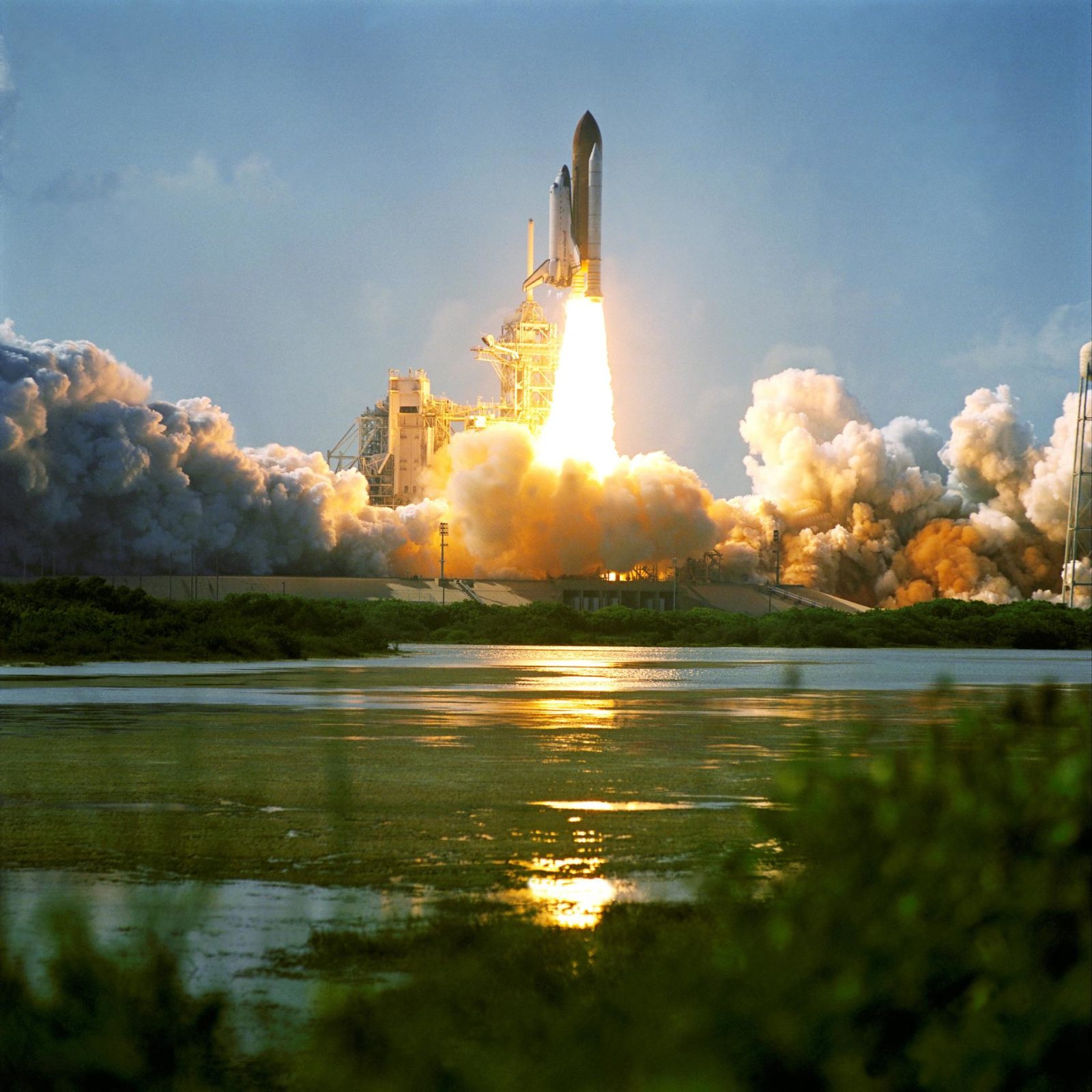 space shuttle program - HD 1600×1600