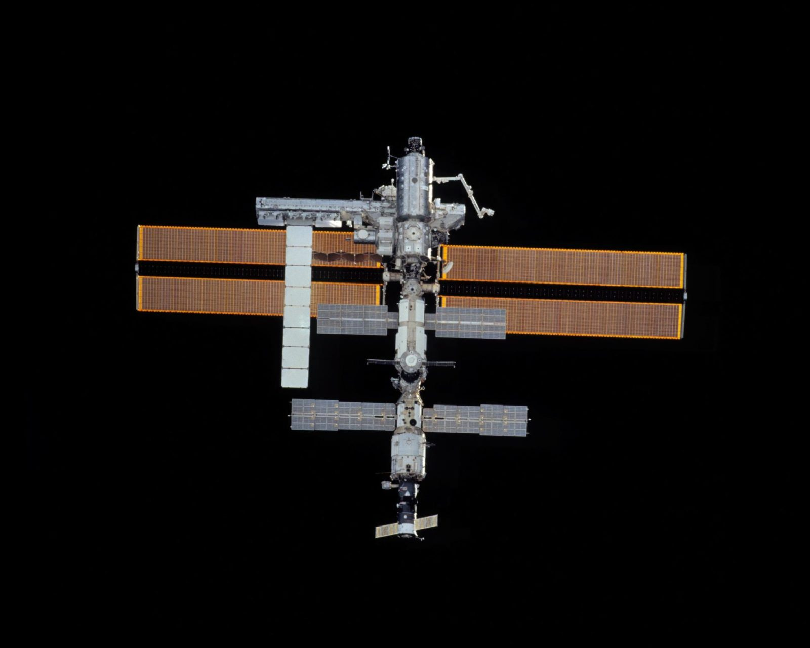 Zenith views of the ISS taken during STS-113 approach for docking
