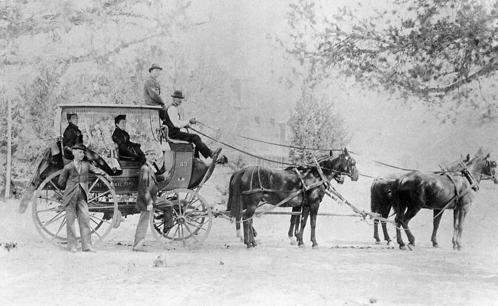 Four horse stagecoach #43; Haynes; No date