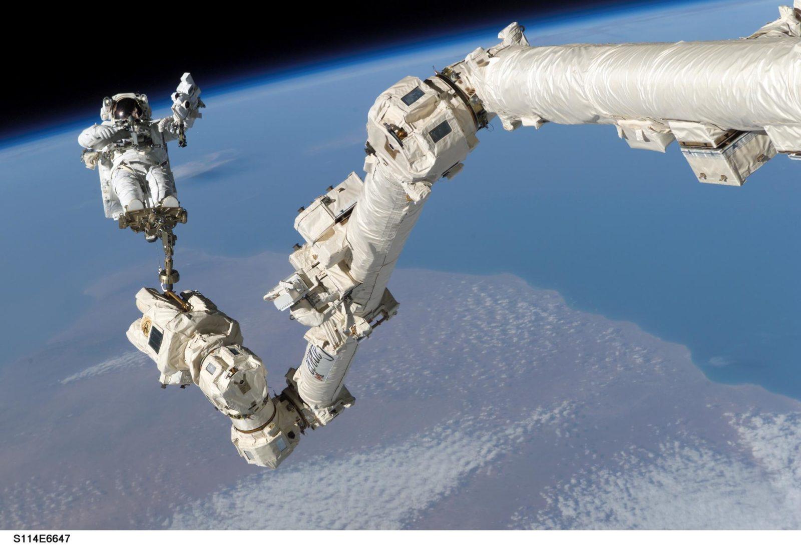 EVA 3 - Robinson on Canadarm2