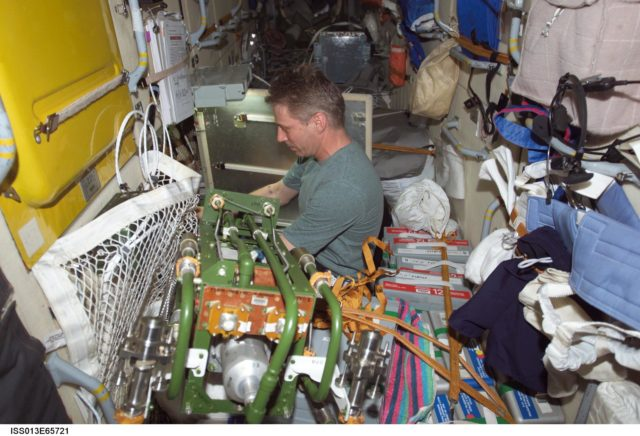 Reiter during maintenance tasks in the FGB