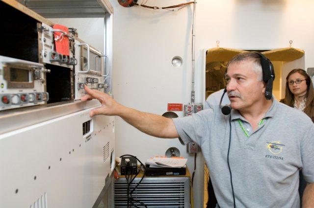 Crew Station Airlock Training, INC-5, SSATA Chamber, STB-ST-781 (Kotov)