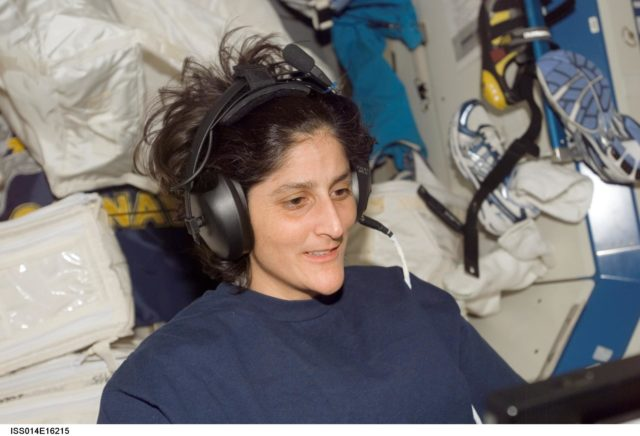 Williams with TRAC experiment in Destiny