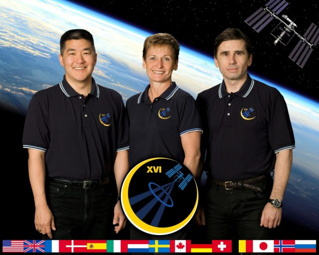 ISS016-S-002C (June 2007) --- This crew portrait shows astronaut Peggy Whitson, expedition 16 commander, with Russia's Federal Space Agency cosmonaut Yuri Malenchenko (right), flight engineer and Soyuz commander; and astronaut Dan Tani, flight engineer, who will arrive on the station in October to replace Clay Anderson. Anderson will have been aboard since June. Whitson and Malenchenko, two veterans of previous International Space Station flights, are scheduled to launch to the complex in the Soyuz TMA-11 spacecraft from the Baikonur Cosmodrome in Kazakhstan in October for a six-month mission. iss016-s-002c