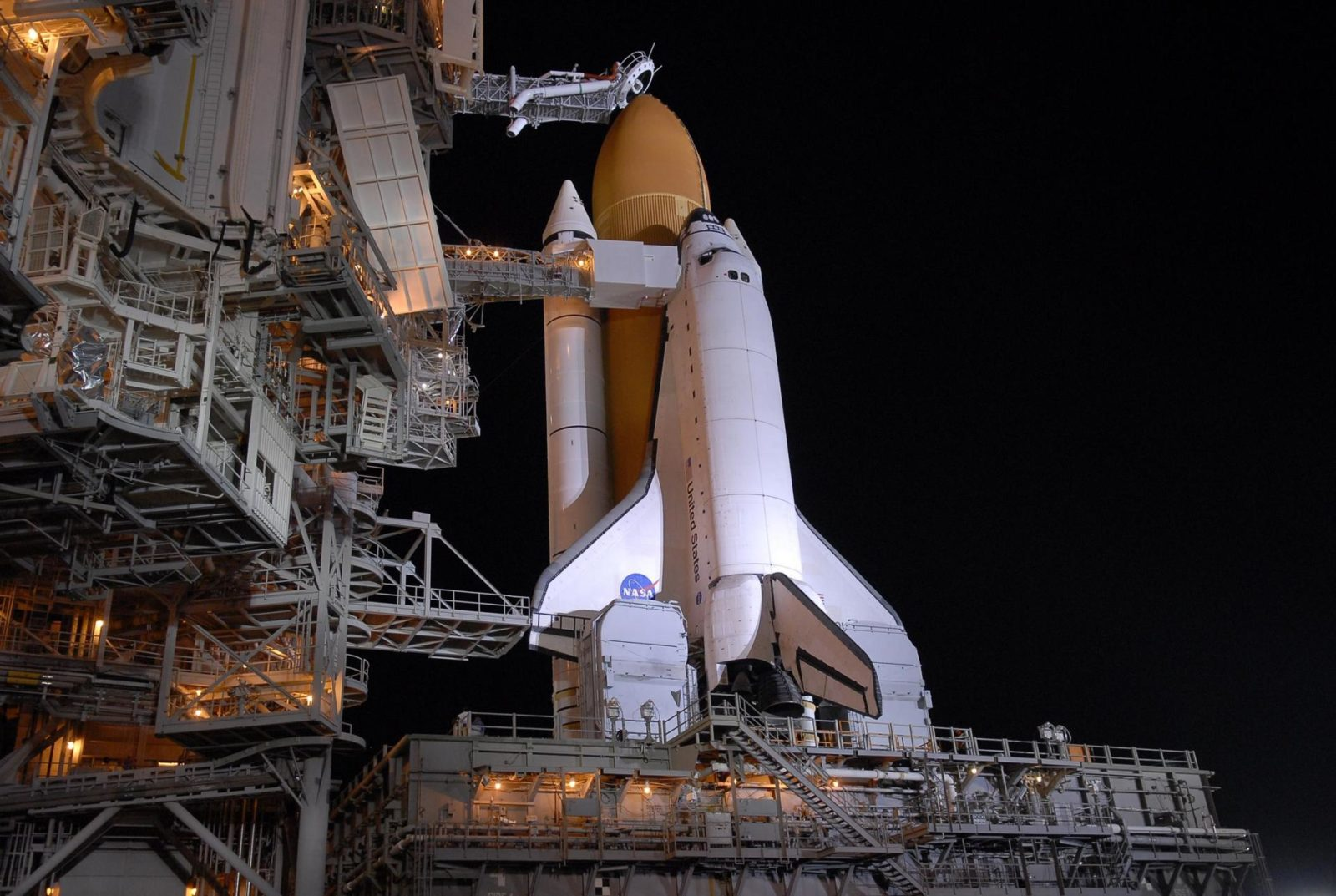 nasas space shuttle rises from the dead to power new - HD 3000×2014