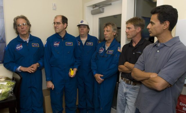 Perseid Meteor flight on Google's Gulfstream Aircraft. P.I. Peter Jenniskens, SETI Group Peter Jenniskens, SETI - briefing w/L-R; J Nott, P Jenniskens, M Koop, D Holman and two Apex Aviation Corp reps. ARC-2007-ACD07-0152-030