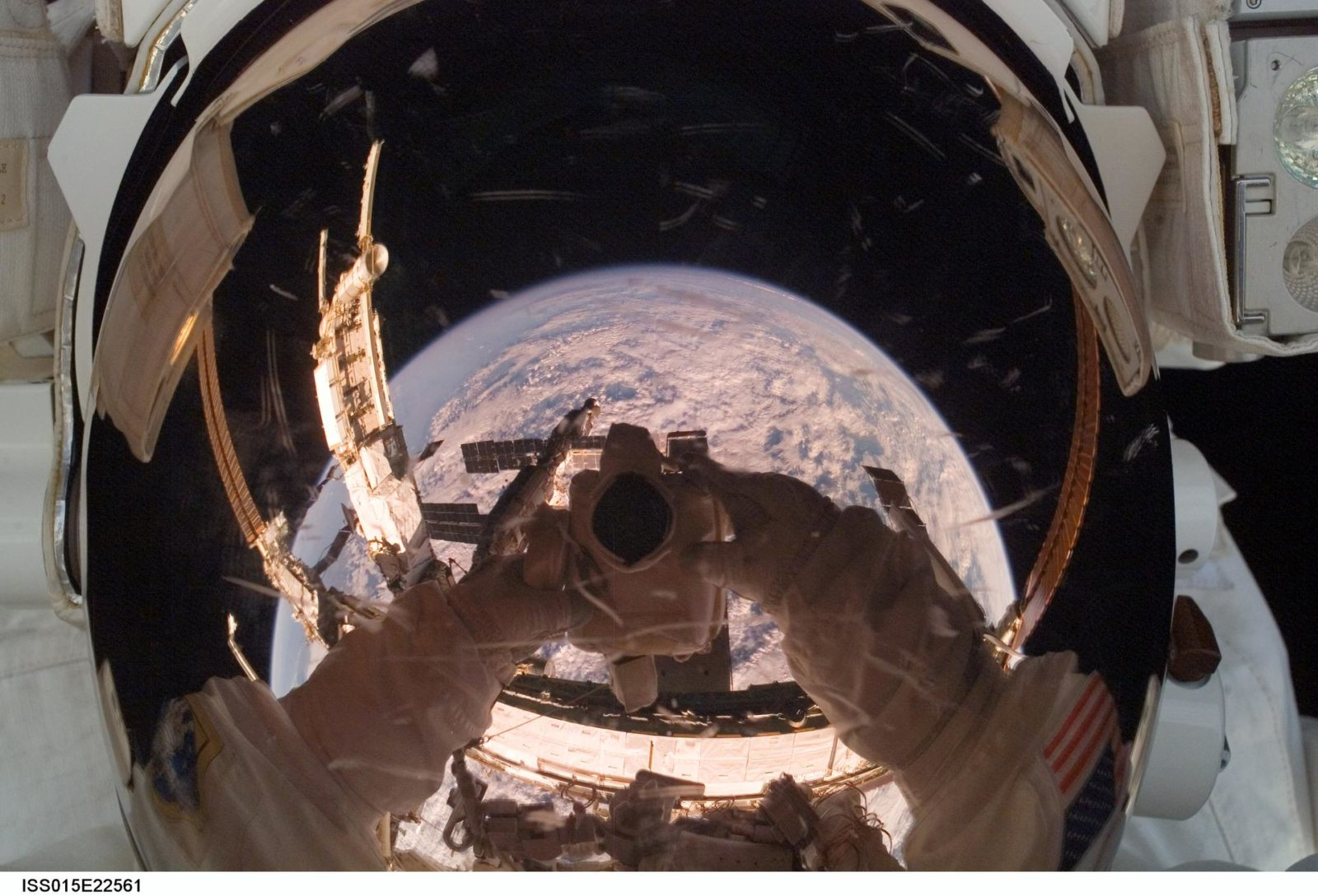 FE Anderson during EVA 3 for Expedition 15 / STS-118 Joint Operations