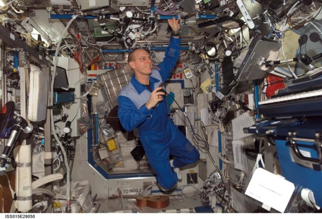Anderson during a private conference via S and Ku Band Receiver in the US Lab during Expedition 15