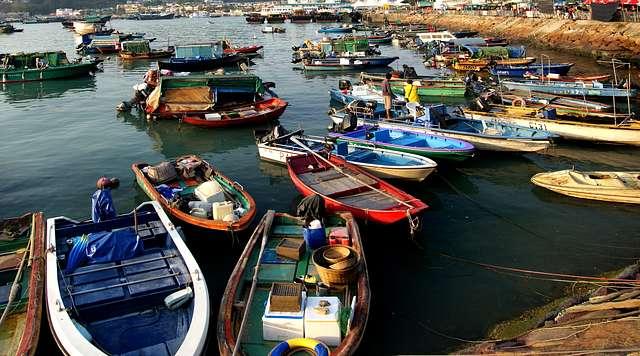 Cheung Chau. Fishing boats.