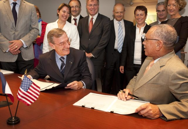 CNES and NASA Agreements Signed