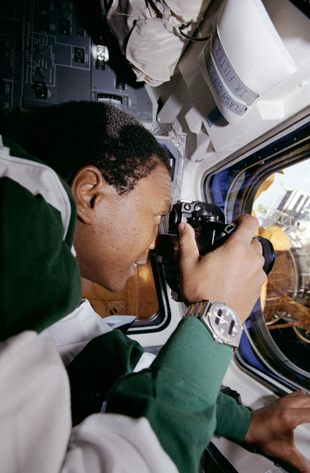 MS Anderson photographs the Mir Space Station
