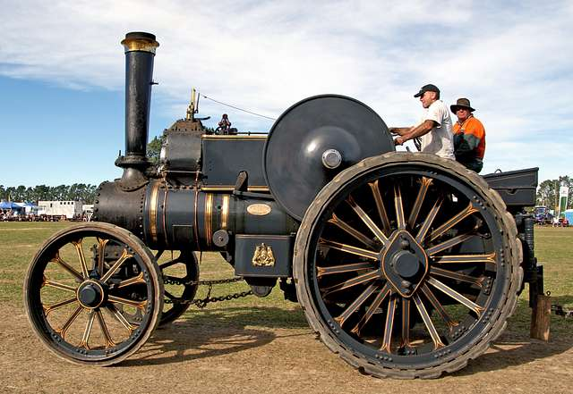 The Fowler Traction Engine (2)