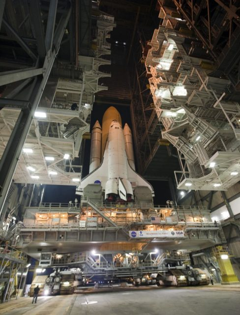 STS-132 ATLANTIS ROLLOUT FROM VAB TO PAD 39A 2010-2919